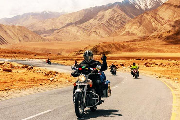 Discover Ladakh by Bike  2020
