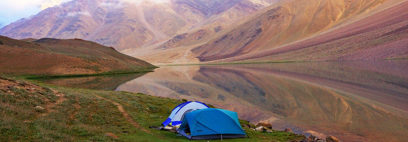 Camping in Chandratal Lake