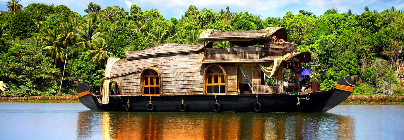 Kumarakom Backwaters Houseboat